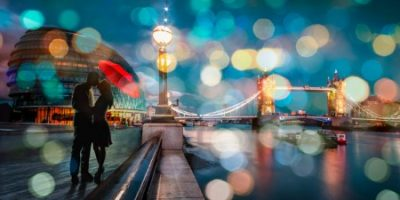 Dianne Loumer – Kissing in London