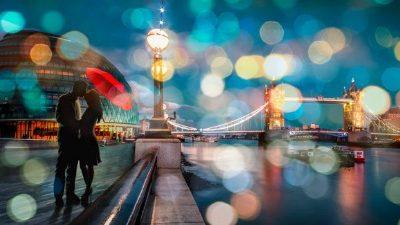 Dianne Loumer – Kissing in London